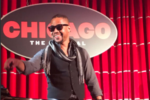 we-re-razzle-dazzled-as-chicago-extends-pre-opening-catch-up-on-on-the-press-launch-buzz