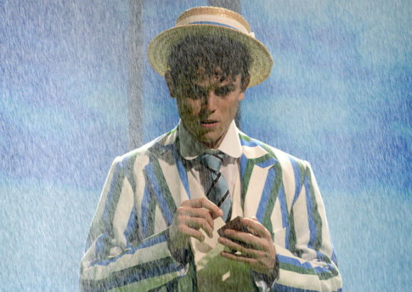 flash-bang-boo-hoo-half-a-sixpence-closes-2-september-in-west-end