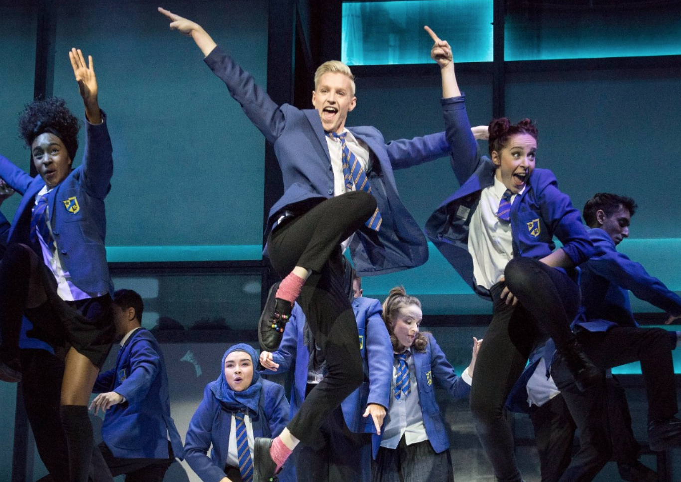 everybody-s-talking-about-jamie-extends-west-end-booking
