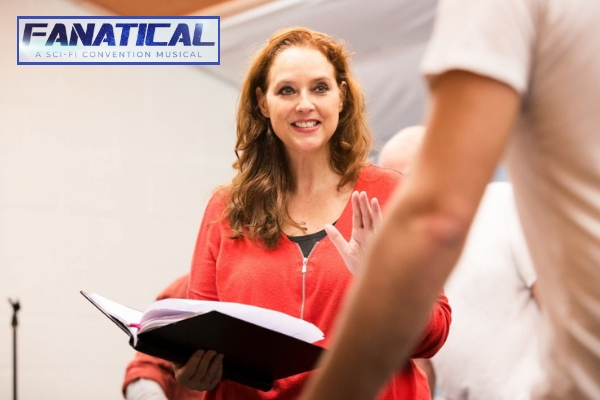 sci-fi-conventions-are-extraordinary-events-suanne-braun-draws-on-her-stargate-experiences-for-fanatical