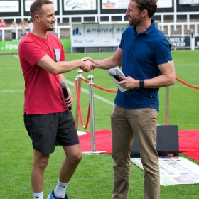 Mark Sampson and Gareth Southgate shake hands before Kick-off