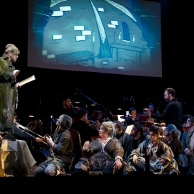Ilan Galkoff, Darren Day & ensemble © Peter Jones 2016