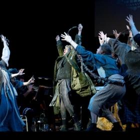 Darren Day & ensemble © Peter Jones 2016