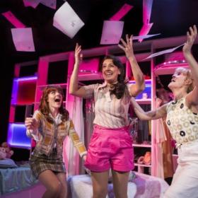 Lizzy Connolly, Ashleigh Gray & Lauren Samuels in Vanities. © Pamela Raith