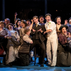 Charlie Stemp & the cast of Half a Sixpence. © Manuel Harlan
