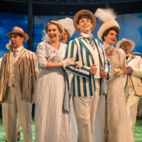 Emma Williams, Charlie Stemp & the cast of Half a Sixpence. © Manuel Harlan
