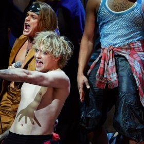 Giovanni Spano & Andrew Polec in Bat Out of Hell. © Specular
