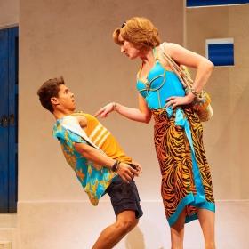Damien Buhagiar & Kate Graham in Mamma Mia. © Brinkhoff & Migenburg