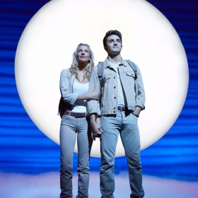 Georgina Castle & Christopher Jordan-Marshall in Mamma Mia. © Brinkhoff & Migenburg