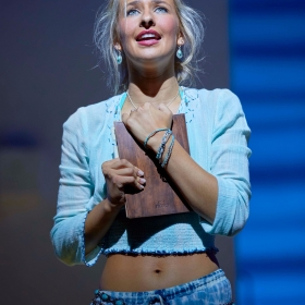 Georgina Castle in Mamma Mia. © Brinkhoff & Migenburg