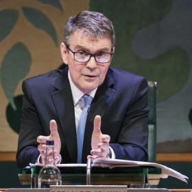 Alexander Hanson in Committee...