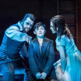 Simon Bailey, Fisher Costello-Rose & Niamh Perry in Whisper House. © Johan Persson