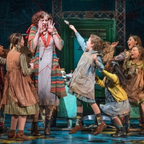 Annie. Production Shots.