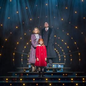 Annie - 2018 cast © Darren Bell