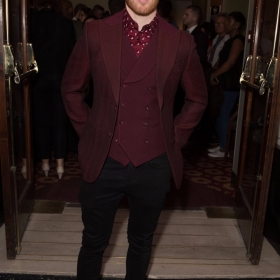 Neil Jones - Annie at the Piccadilly Theatre - Photo credit Craig Sugden