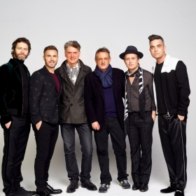 Howard Donald, Gary Barlow, Dafydd Rogers, David Pugh, Mark Owen & Robbie Williams © Jay Brooks