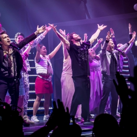 Take That with the cast during the finale of The Band. © Matt Crockett