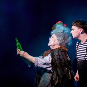 Valda Aviks & Grant McIntyre in The Addams Family. © Matt Martin