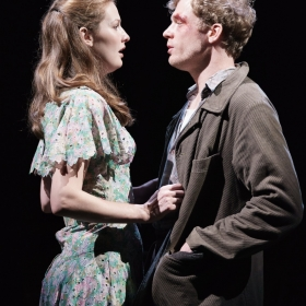 Claudia Jolly & Sam Reid in Girl From the North Country. © Manuel Harlan