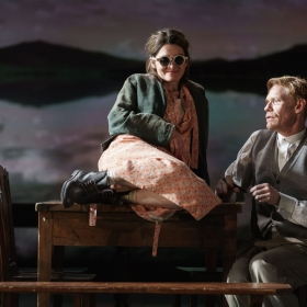 Shirley Henderson & Michael Shaeffer in Girl From the North Country. © Manuel Harlan