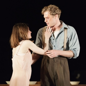 Shirley Henderson & Sam Reid in Girl From the North Country. © Manuel Harlan