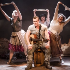 Blondel played by Connor Arnold, featuring the washer women - Lauren Byrne, Courtney Bowman and Michaela Stern © Scott Rylander
