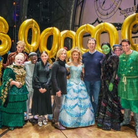 Wicked's 8000th theatregoer: Louise & David McCarter meet the cast after the show on 9 February 2017