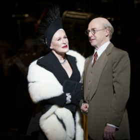 Glenn Close and Julian Forsyth in Sunset Boulevard © Richard Hubert Smith