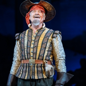 Man Of La Mancha at the London Coliseum, April 2019. © Manuel Harlan