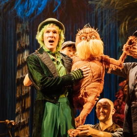Simon Paisley Day (The Once-ler) and The Lorax - Laura Caldow, Ben Thompson and David Ricardo-Pearce (Puppeteers) in Dr. Seuss's The Lorax at The Old Vic  © Manuel Harlan