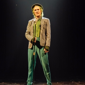Simon Paisley Day (The Once-ler) in Dr. Seuss's The Lorax at The Old Vic. © Manuel Harlan