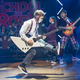 Jake Slack & David Fynn in School of Rock. © Tristram Kenton