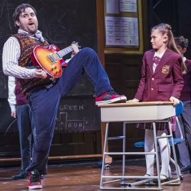 David Fynn & Lucy Simmonds in School of Rock. © Tristram Kenton