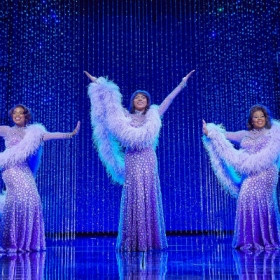 Ibinabo Jack, Liisi La Fontaine and Amber Riley in Dreamgirls. © Mogenburg