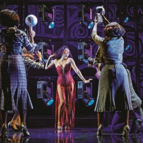 Liisi LaFontaine and the cast in Dreamgirls at the Savoy Theatre. © Mogenburg