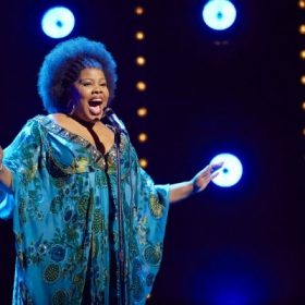 Amber Riley in Dreamgirls. © Mogenburg