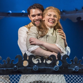 Chris Peluso and Gina Beck in Show Boat. © Johan Persson