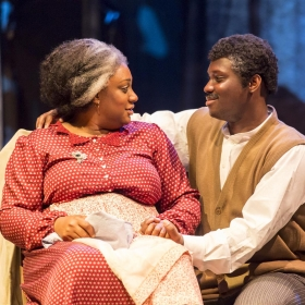 Sandra Marvin and Emmanuel Kojo in Show Boat. © Johan Persson