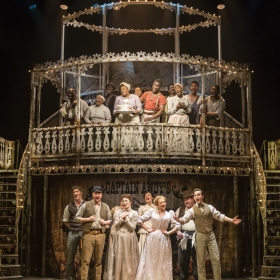 The cast of Show Boat. © Johan Persson